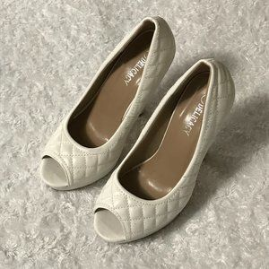 VGCU, Delicacy Winter White Quilted Peep Toe Heels